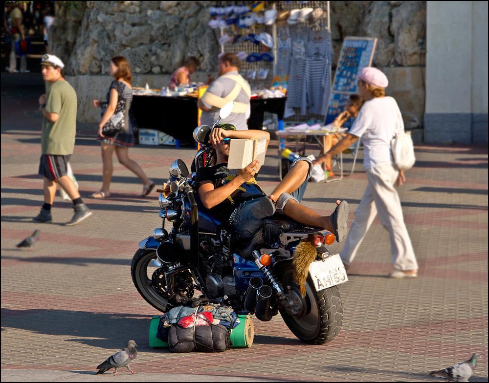 """фото """"Сиеста"""" метки: стрит-фото, Крым, Севастополь, рокер"""