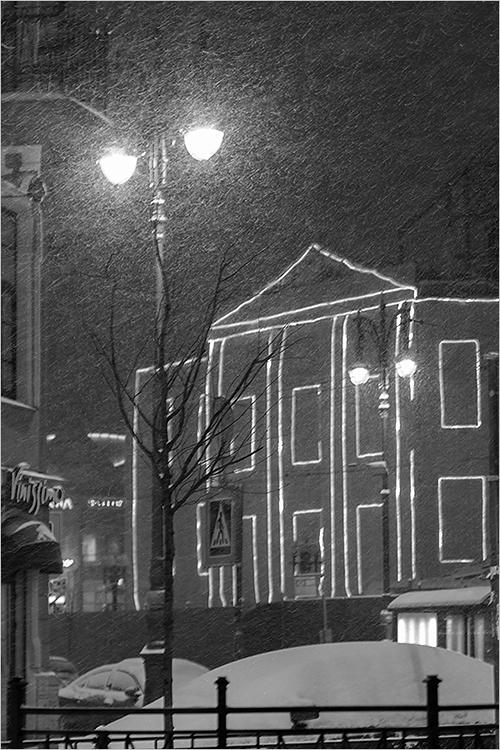 "фото ""***"" метки: город, черно-белые, Санкт-Петербург, зима, снегопад"