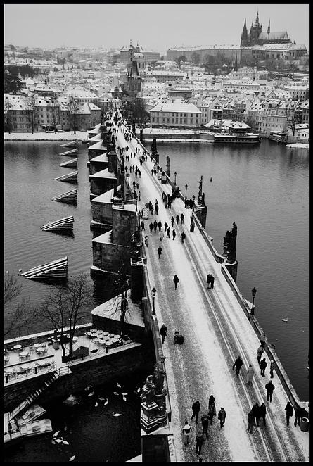 "photo ""Зимний привет из Праги"" tags: black&white, city, Prag, Prague, Praha"