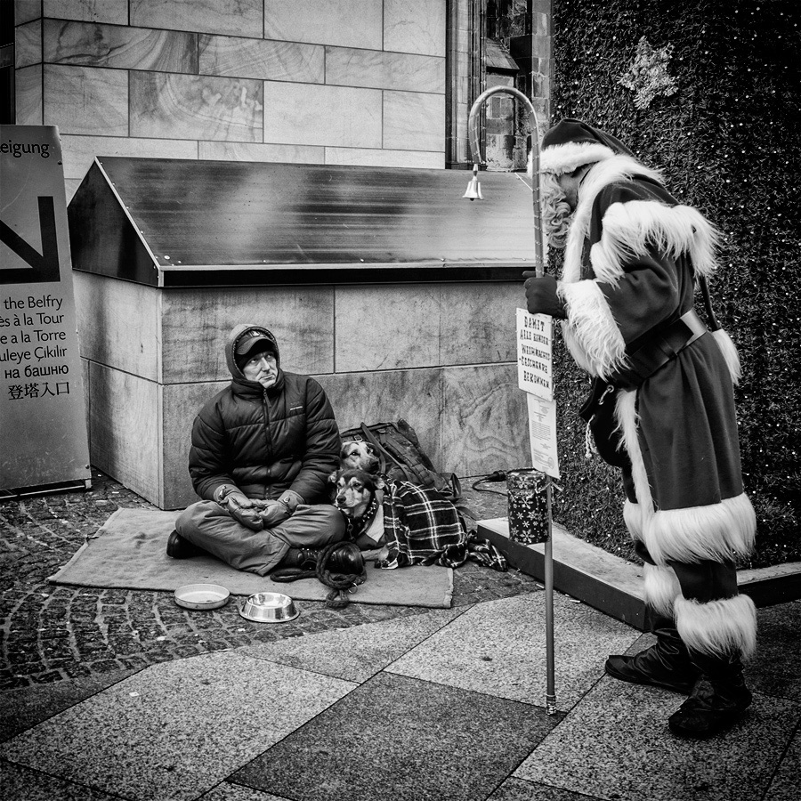 "photo ""Gifts???"" tags: genre, street, black&white,"