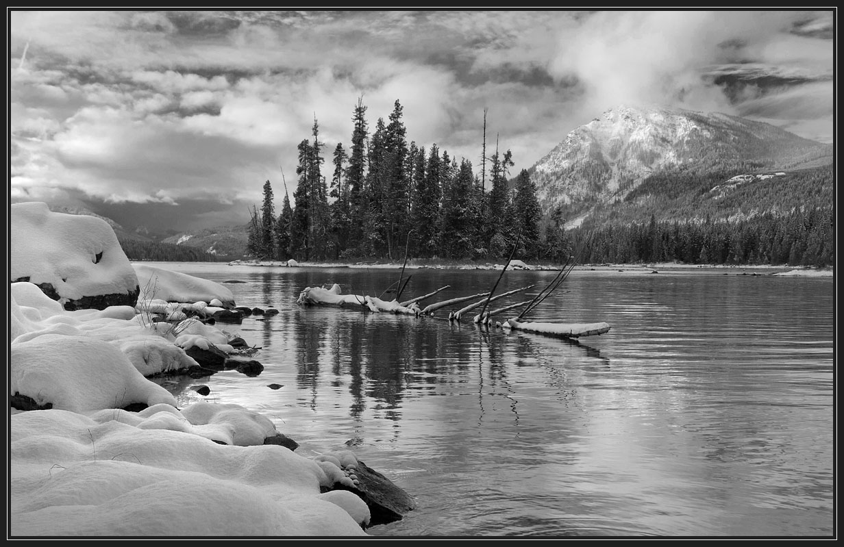 "фото ""По реке плывет топор..."" метки: пейзаж, черно-белые, зима"