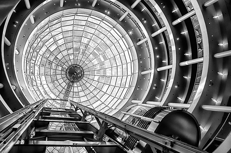 "photo ""hi-hi-hi-tech"" tags: architecture, black&white, interior,"