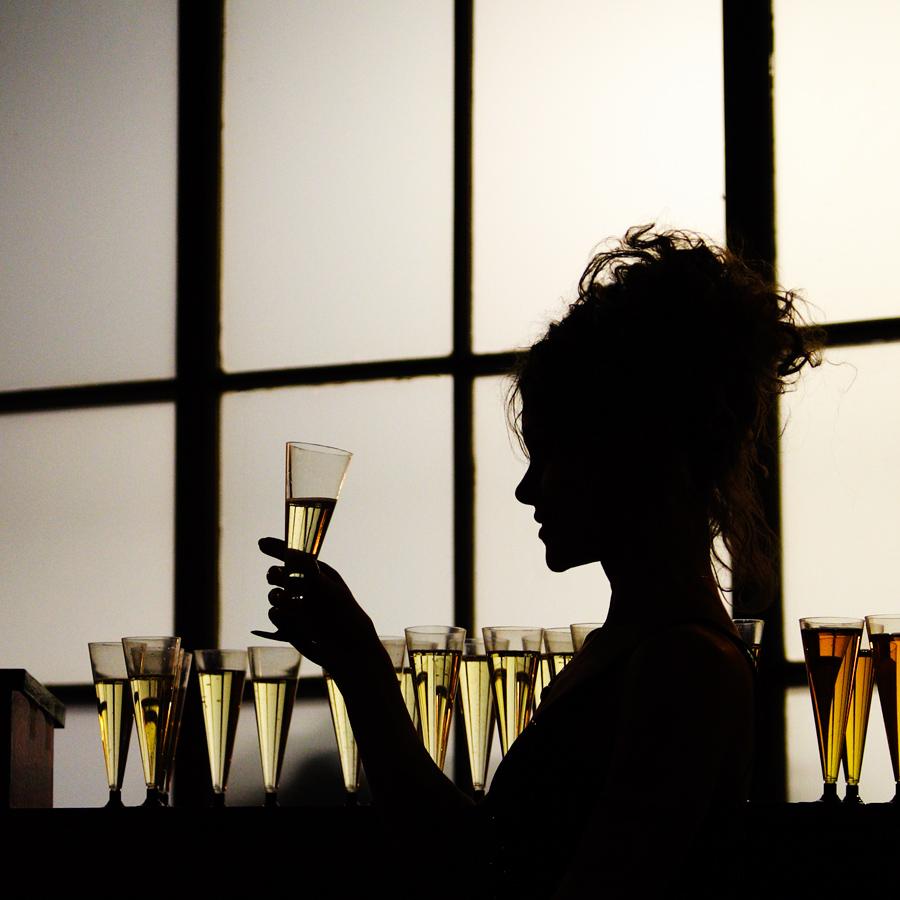 """фото """"Романтическое настроение"""" метки: портрет, девушка, праздник, силуэт, шампанское"""