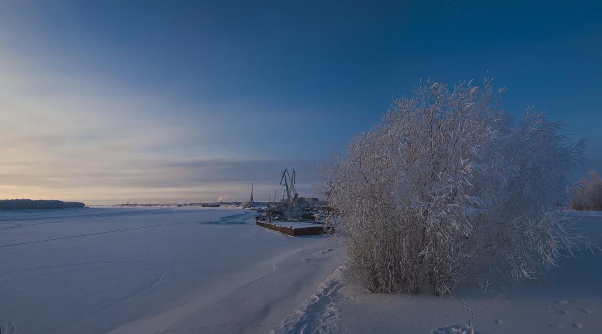 "фото ""Морозные сумерки"" метки: пейзаж, зима, мороз, причал, река, снег"