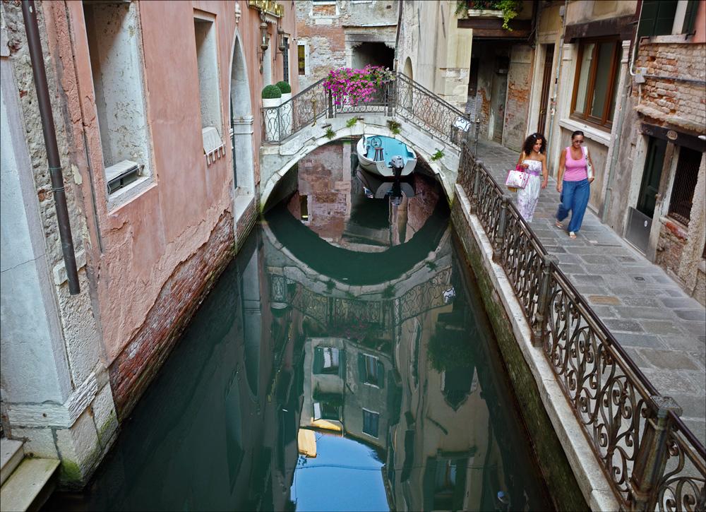"photo ""Dead-end channel"" tags: city, Venice"
