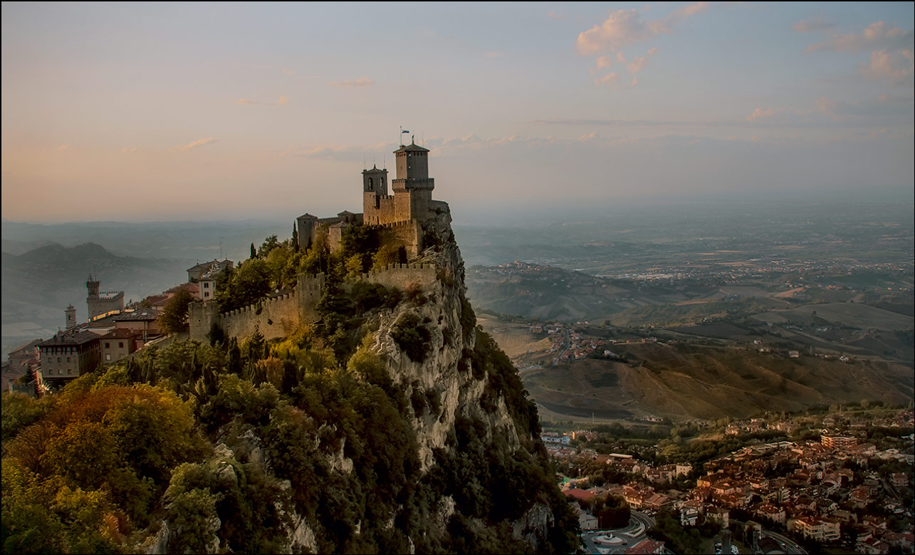 "photo ""San-Marino"" tags: travel, landscape, architecture, evening, foto liubos, mountains, замок, сан марино"