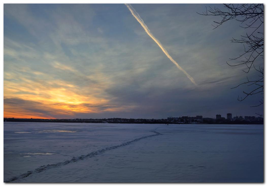 """фото """"Вечные странники, - там, где кончается одна дорога, начинается другая."""" метки: путешествия, Череповец, Шексна, закат, зима"""