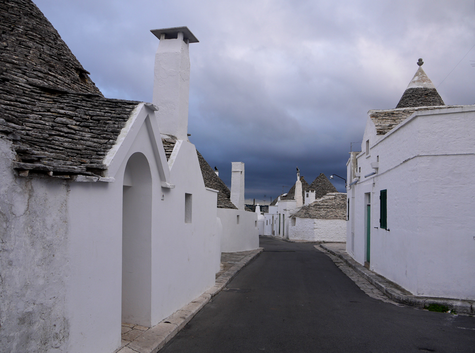 "photo ""Alberobello"" tags: architecture, travel,"