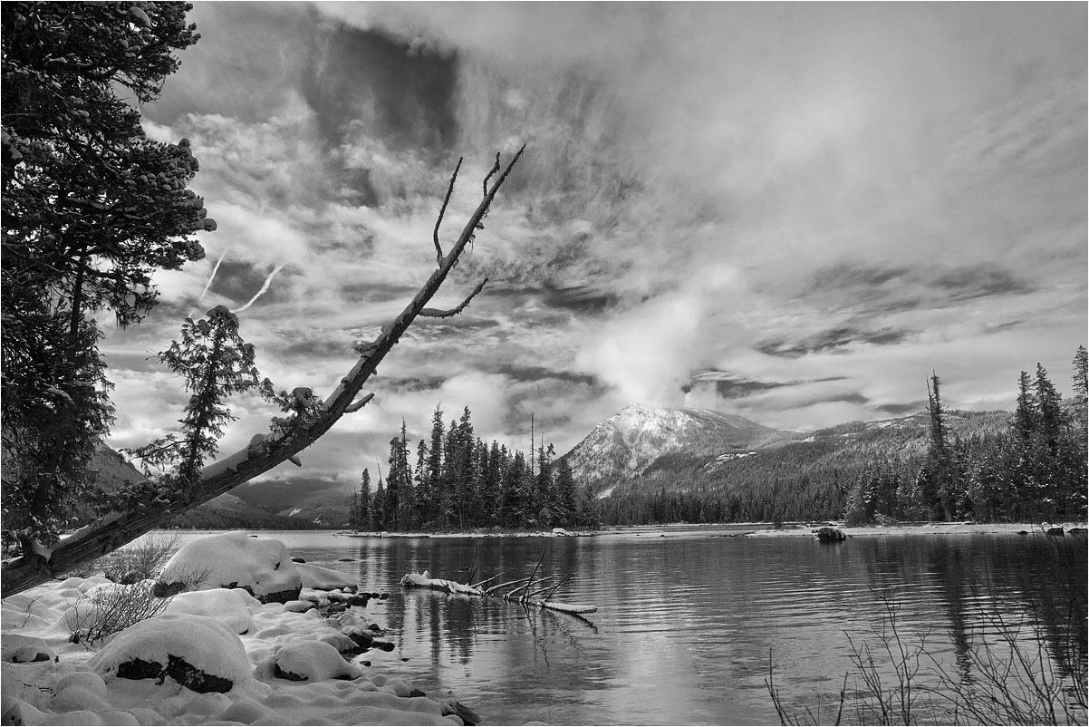 "photo ""Trident"" tags: landscape, black&white, mountains, water, winter"