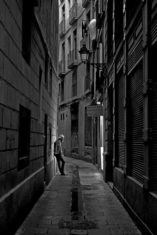 "photo ""Barri Gòtic"" tags: travel, street, black&white, Barcelona, Barri Gòtic, Spain, night, spain, Барселона"