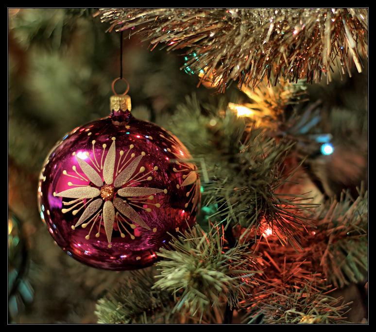 """фото """"Всех с Наступающим!"""" метки: макро и крупный план, Новый Год, шар, ёлка"""