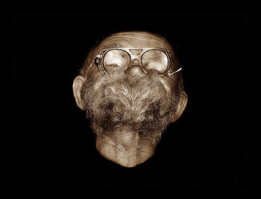 """фото """"дед """"Мазай"""""""" метки: портрет, черно-белые, борода, очки, старик"""