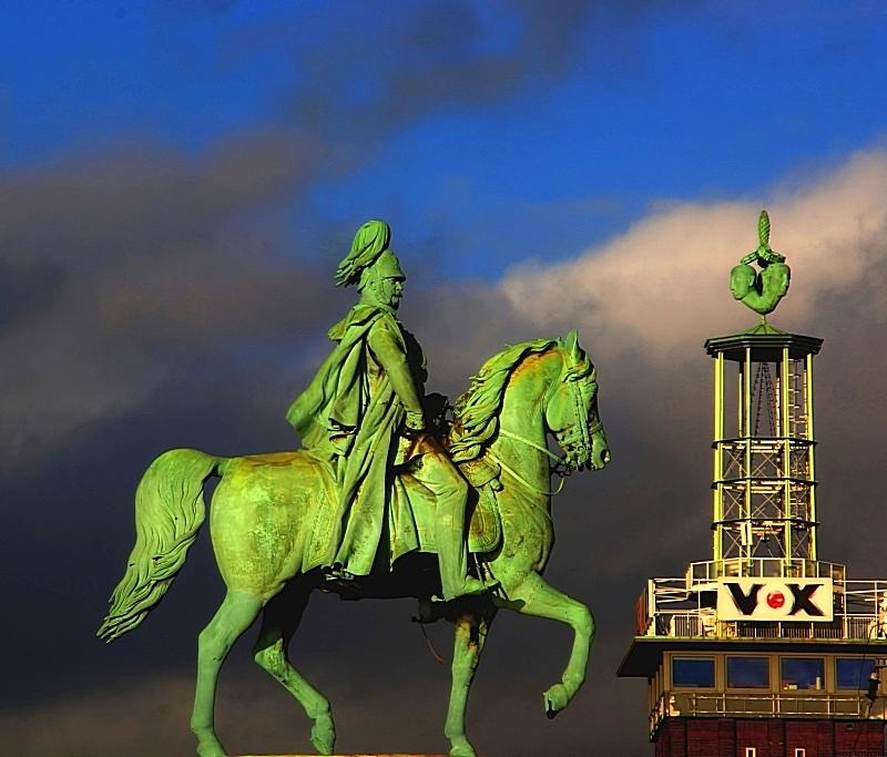 "фото ""EmperorWilhelmTakesOverVOX"" метки: абстракция, Joerg Vetter sony 77, Tamron 18-270, cologne, germany, jörg vetter, koeln"