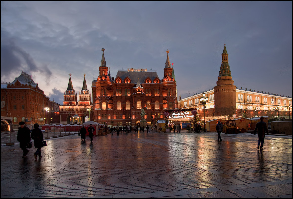 "photo ""Moscow night"" tags: city, architecture, street,"