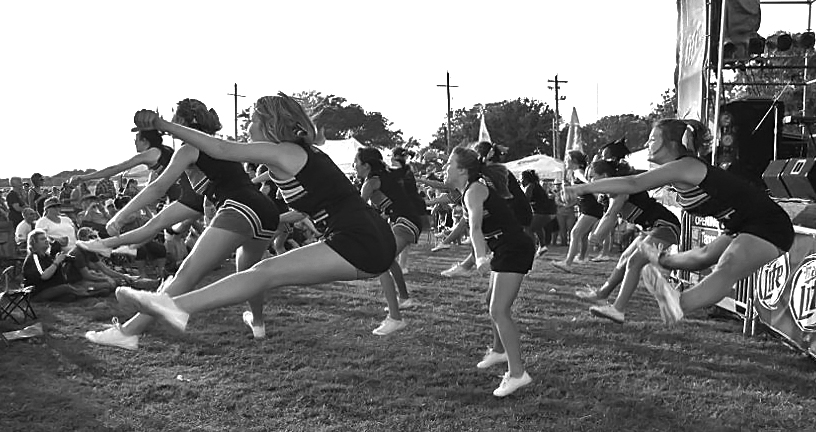 "photo ""Cheer"" tags: genre, black&white, reporting,"