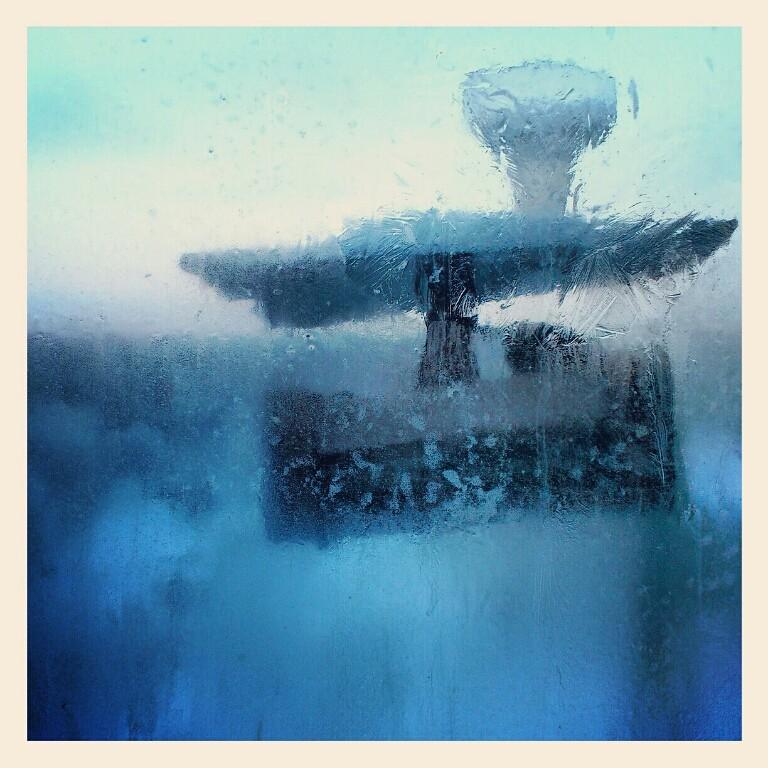 """фото """"Китаййский почтальон...."""" метки: , Азия, Европа, Китай, НГ, Новый Год, зима, окно, стекло"""