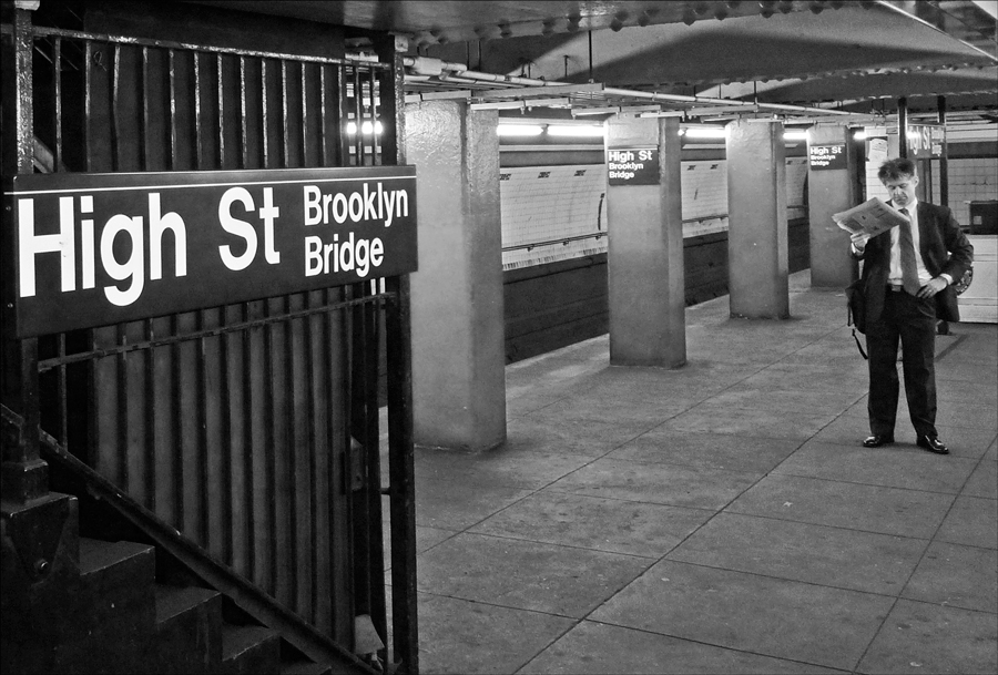 "photo ""Latest news"" tags: black&white, genre, street, New York City, сабвэй"