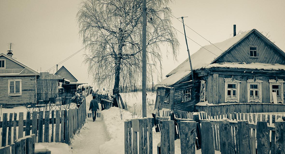 """фото """"Жизнь деревенская"""" метки: разное, ведра, зима, мужчина, снег"""