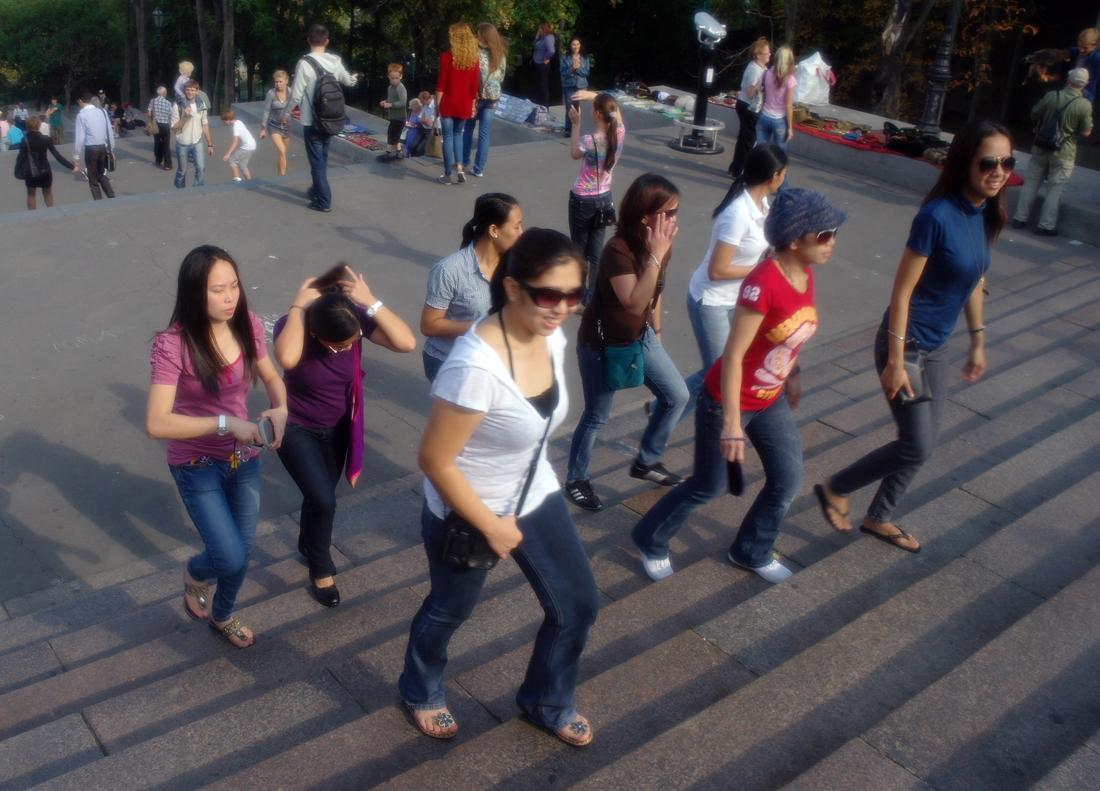 """фото """"Одесситки..."""" метки: стрит-фото, путешествия, юмор, Одесса, Потёмкинская лестница, женщина"""