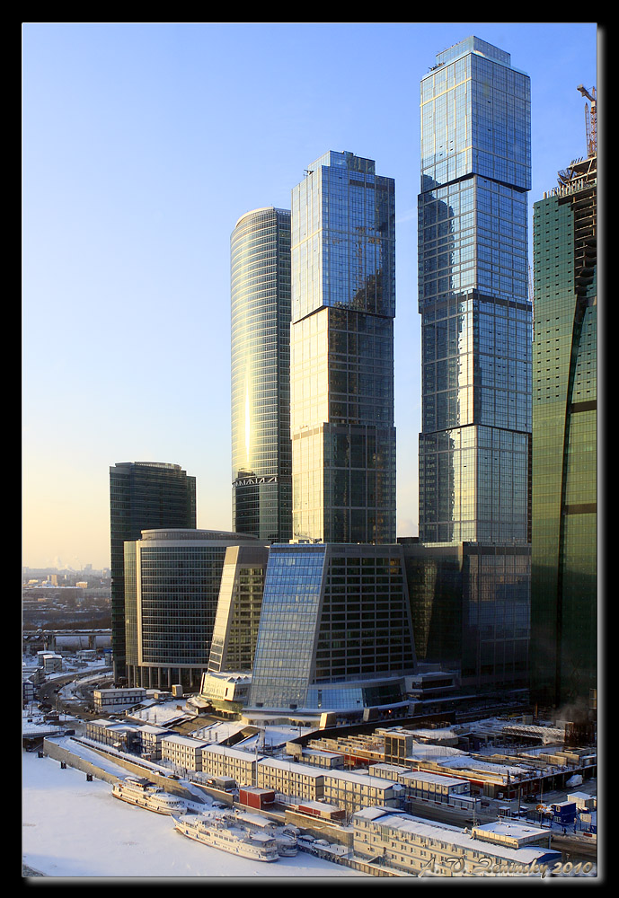 "photo ""Business center in Moscow"" tags: architecture, landscape, city, Europe, building, tower, winter"