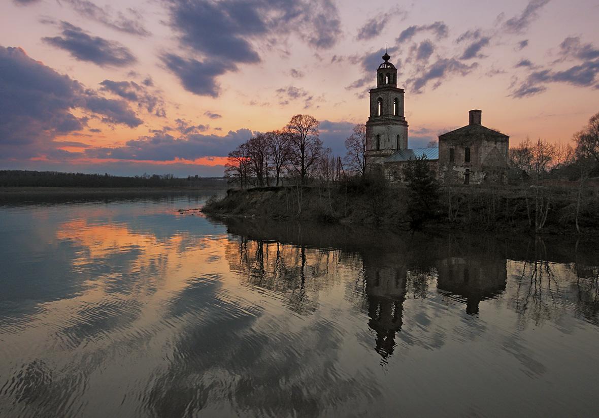 "photo ""***"" tags: landscape, river, sky, sunset, temple"