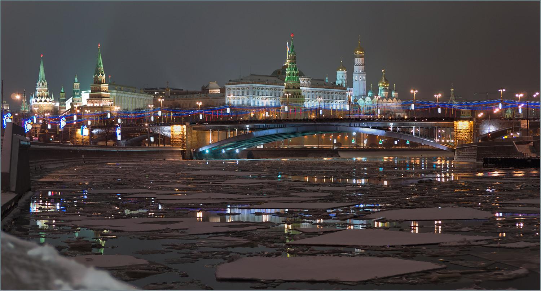 """фото """"С отражением, как с украшением..."""" метки: архитектура, пейзаж, башня, ночь, река, храм"""