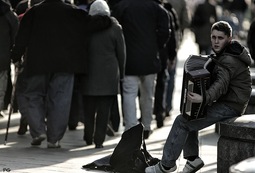 "photo ""***"" tags: street, genre, жизнь, музыкант"