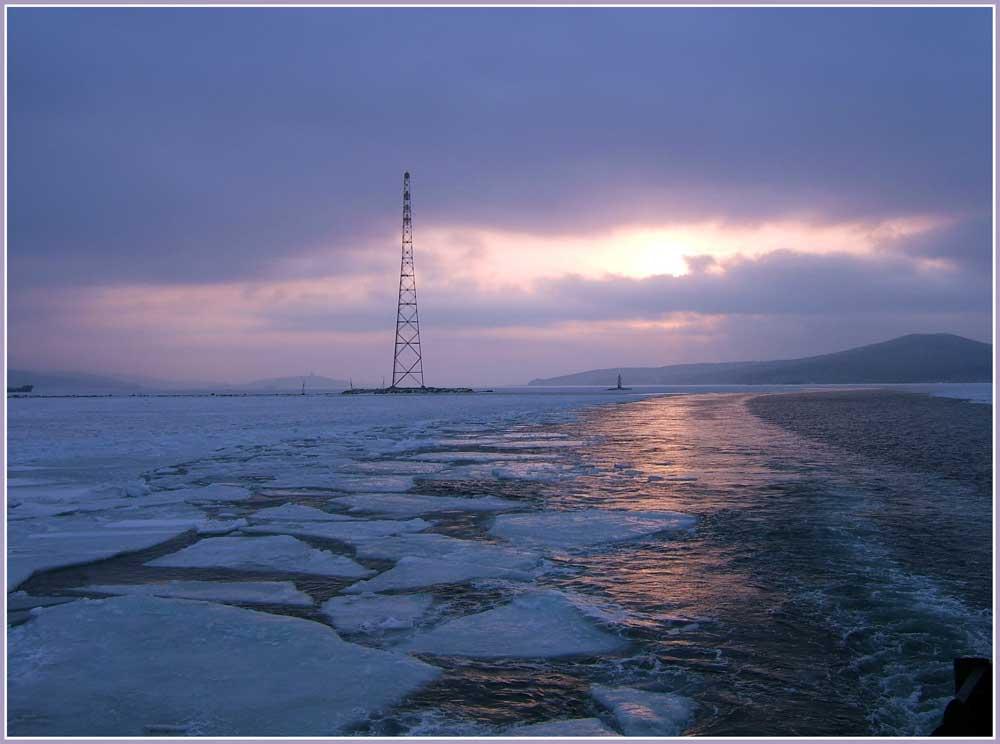 """фото """"В дорогу с рассветом."""" метки: пейзаж, путешествия, природа, зима, море, рассвет."""