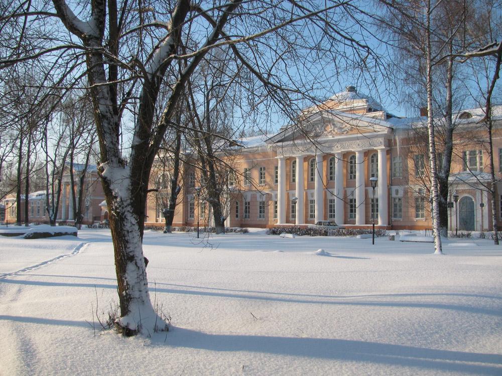 """фото """"Больница"""" метки: архитектура, пейзаж, город, больница, зима, неоклассицизм, снег, ясно"""