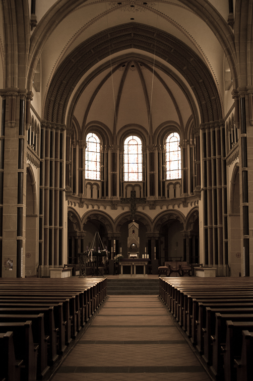 "photo ""Herz-Jesu-Kirche"" tags: architecture, travel, католическая церковь"