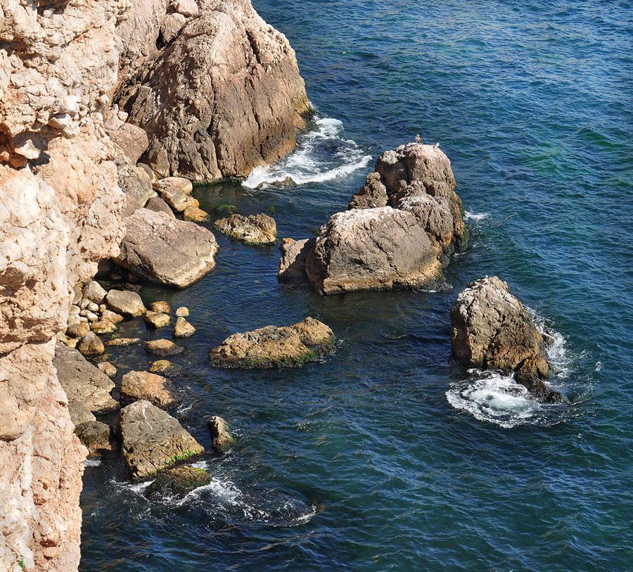 "фото ""Скала и море"" метки: пейзаж, море, скалы"