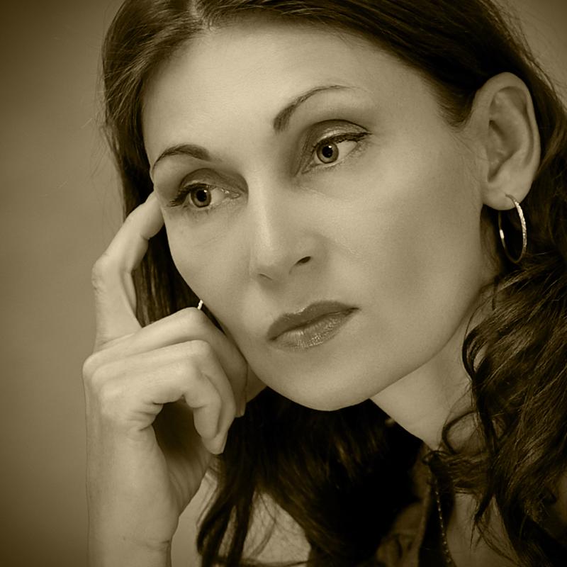 """фото """"Женский портрет"""" метки: портрет, черно-белые, виньетка, женщины, сепия"""