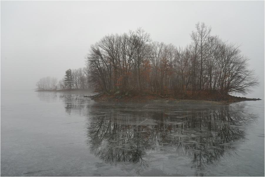 """фото """"туманный остров"""" метки: пейзаж, вода, зима, лес"""
