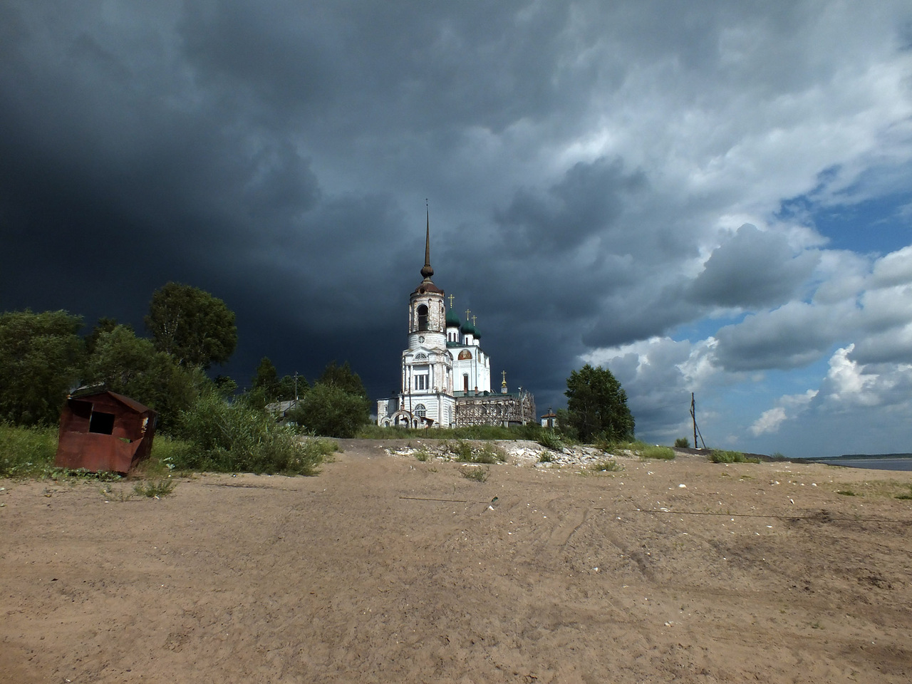 "photo ""Before the Storm"" tags: landscape, travel, architecture, Сольвычегодск, гроза, предгрозье, тучи"