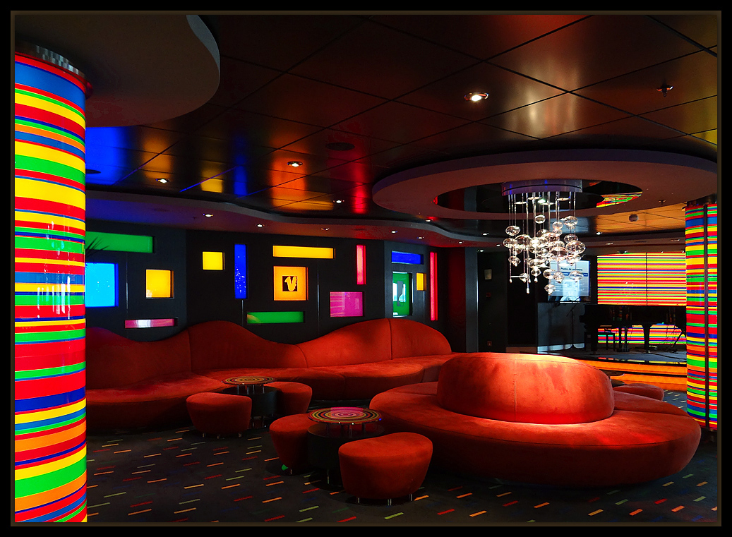 "photo ""MSC Fantasia - Manhattan Bar"" tags: architecture, interior, travel,"