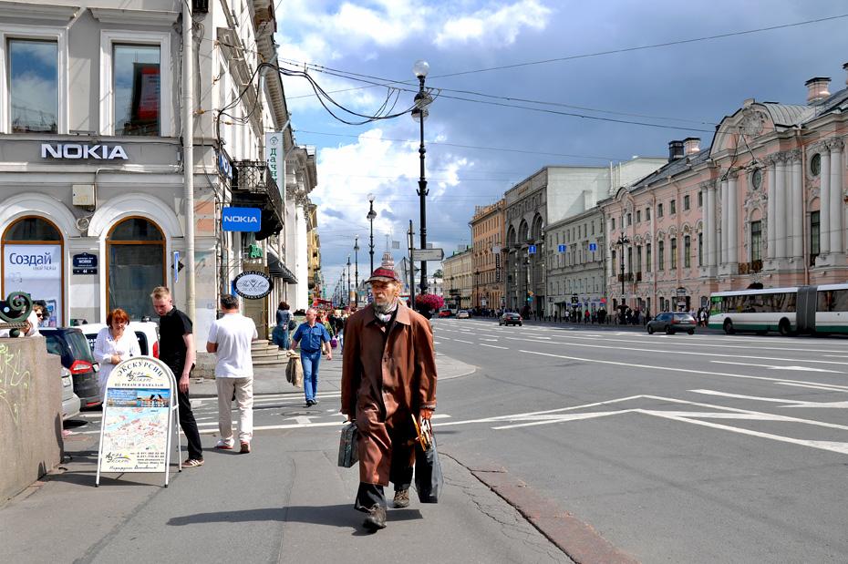 """фото """"человек в коричневом плаще"""" метки: стрит-фото, Санкт-Петербург"""