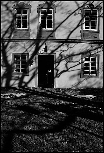 "фото ""Tени-2"" метки: черно-белые, Prag, Praha, Прага"
