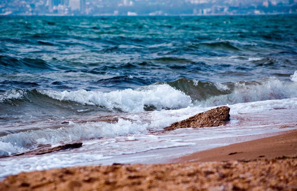 """фото """"прибой на Золотом пляже"""" метки: пейзаж, Феодосия, море, пляж, прибой"""