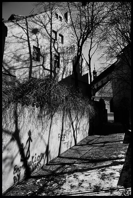 """фото """"Tени a улочка"""" метки: черно-белые, Prag, Praha, Прага"""