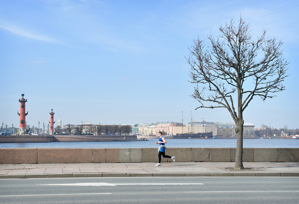 "фото ""Светлое небо над Питером"" метки: город, пейзаж, Нева, Санкт-Петербург, весна"