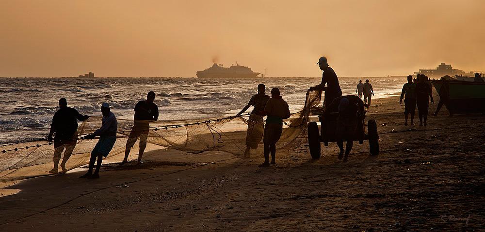 "фото ""Fishermen 4"" метки: жанр, sea, Африка, вода"
