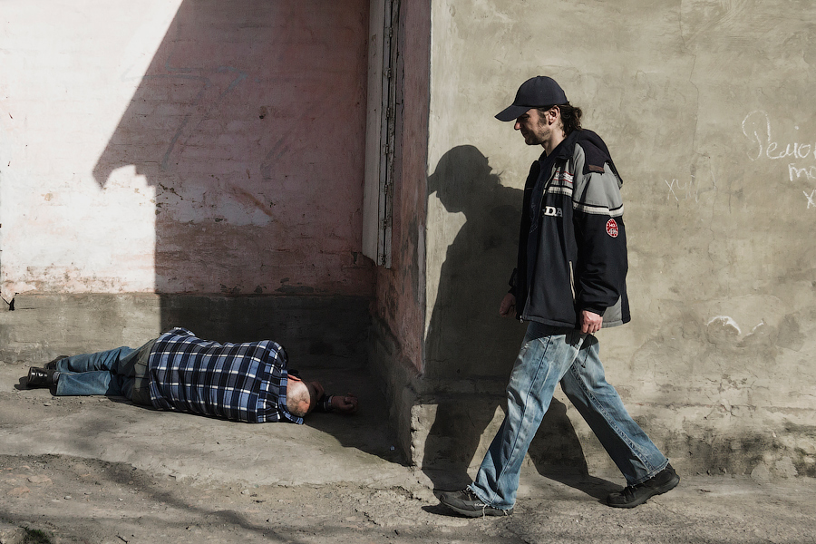 """фото """"Шагай, человек, шагай..."""" метки: стрит-фото, жанр, Город, жизнь людей, люди, улица"""