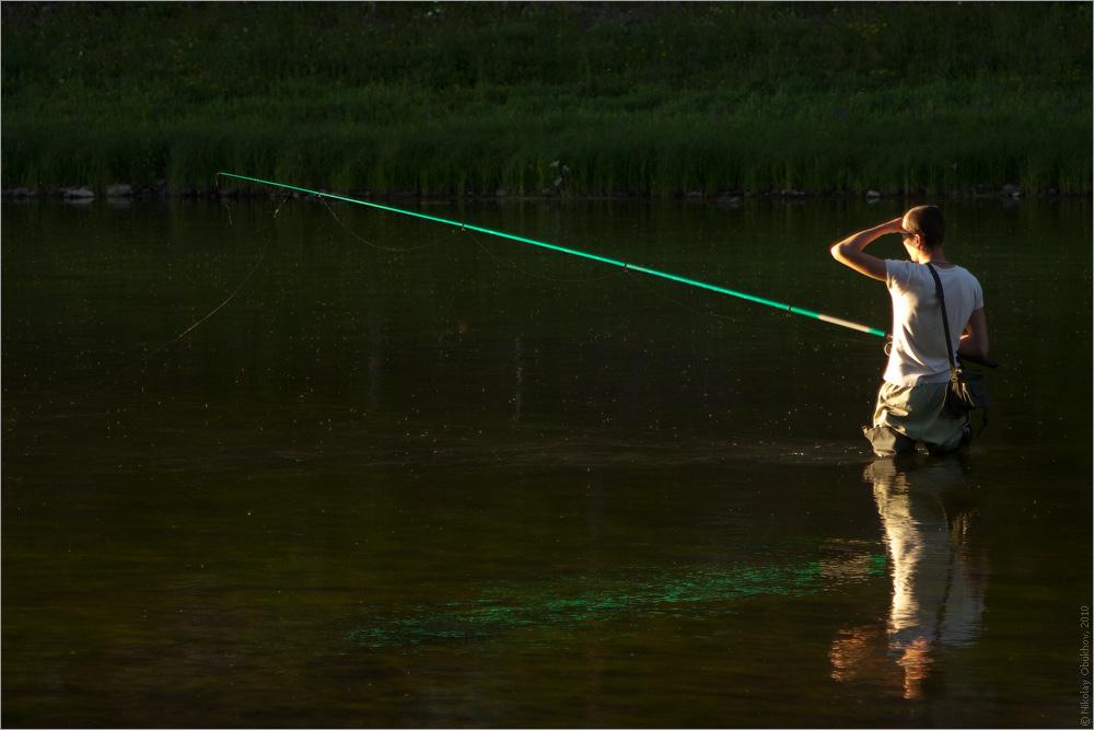 """фото """"За хариусом / 0198_0061"""" метки: путешествия, вода, закат, лето, мужчина, отражения, река"""