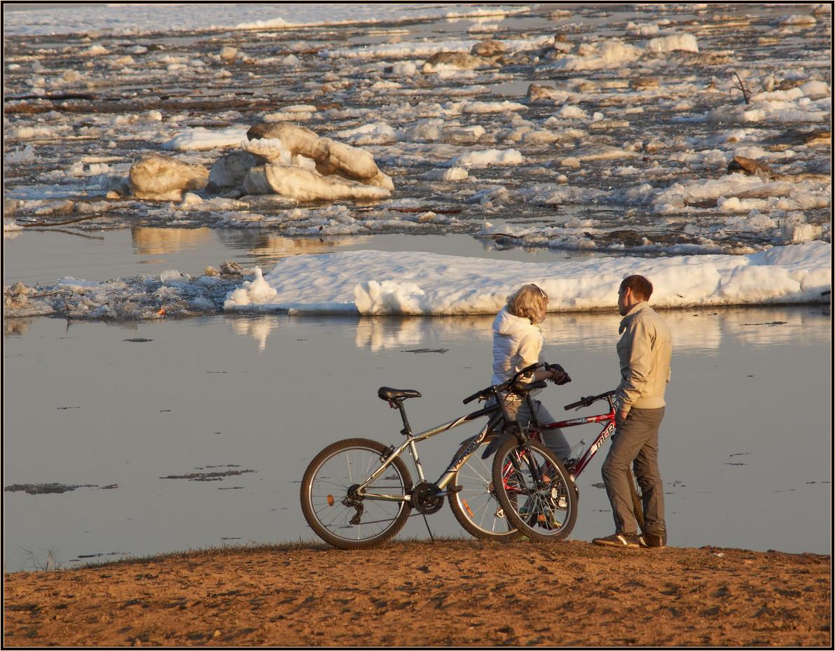 """фото """"Проходит лёд"""" метки: пейзаж, стрит-фото, Ледоход, весна, вода, пара"""