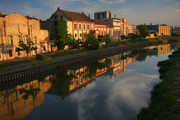 "photo ""Zrenjanin"" tags: architecture, travel, city,"