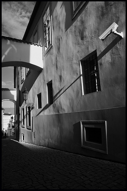 """photo """"Cумеречный улочка"""" tags: black&white, Prag, Prague, Praha"""