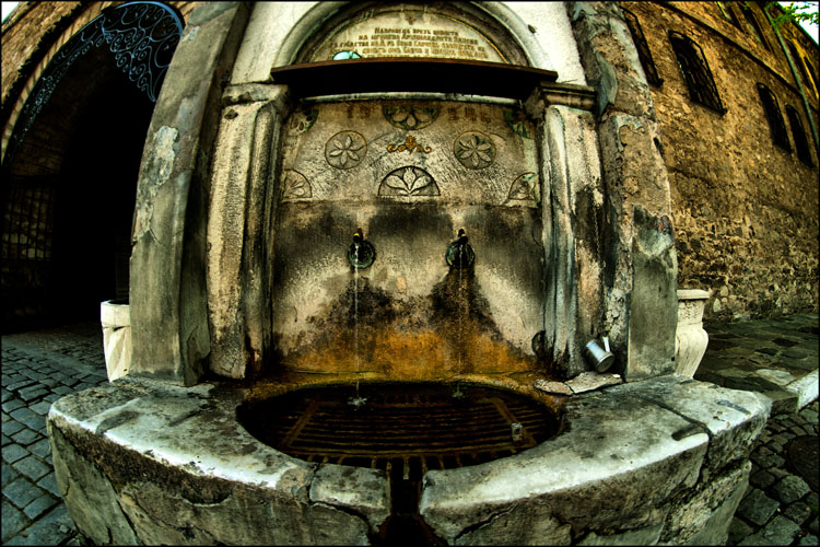 "photo ""old fountain ..."" tags: landscape, architecture, genre,"
