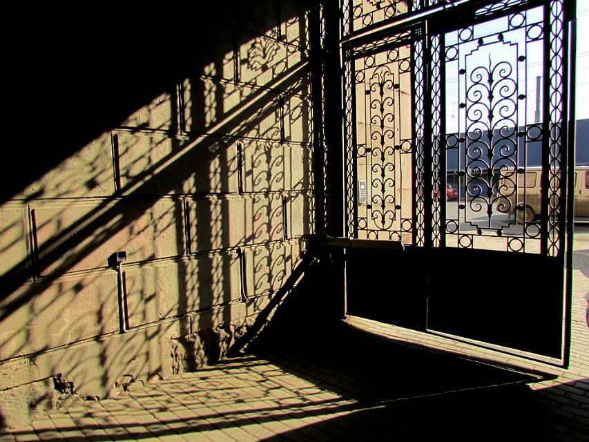 "фото ""подворотня"" метки: архитектура, разное, фрагмент, двор"