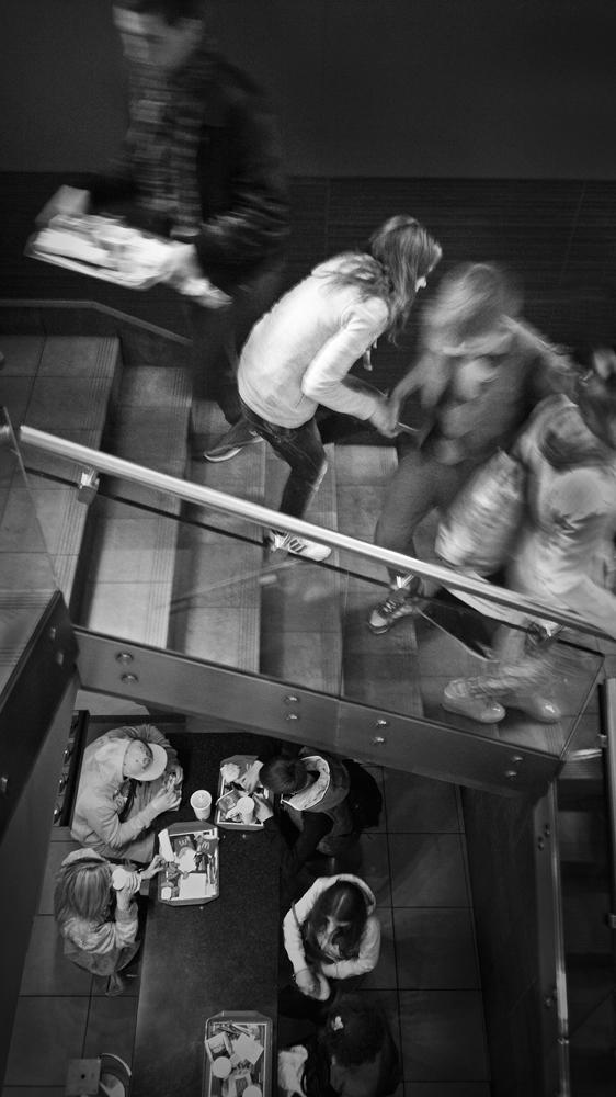 "фото ""На встречных курсах"" метки: жанр, макдак, чб"