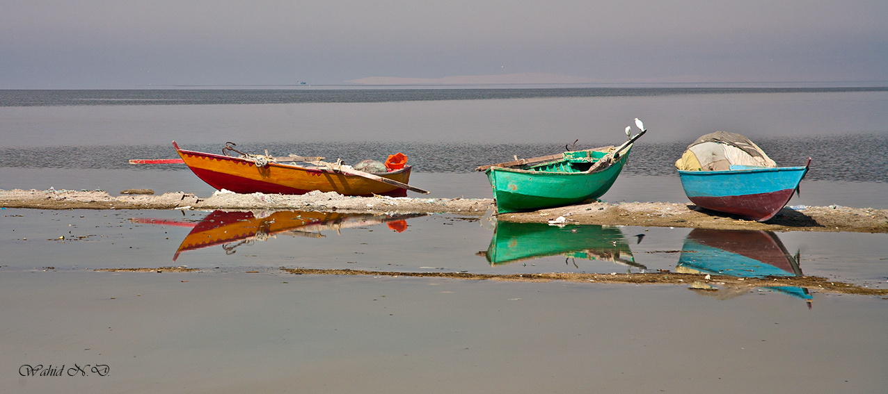 "photo ""Red, Blue, Green"" tags: landscape, travel, Africa, boat, water"